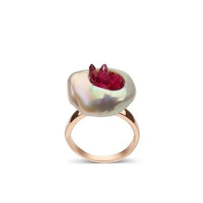 Piccolo Point Ring with Rubies