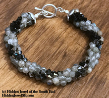 Load image into Gallery viewer, Jet Black Swarovski and Labradorite Crocheted Bracelet