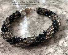Load image into Gallery viewer, Crystal Spiral Crocheted Bracelet