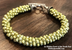 Bright green freshwater pearl crocheted bracelet