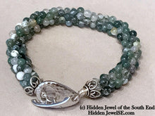 Load image into Gallery viewer, Green Moss Agate Crochet Bracelet, Sterling Silver hammered toggle