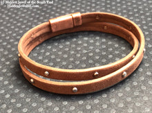 Load image into Gallery viewer, Unisex brown Leather bangle twice around Bracelet magnetic clasp