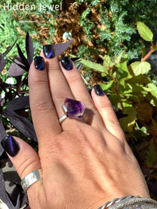Amethyst Crystal Gemstone Sterling Silver prong Set simple band purple ring.