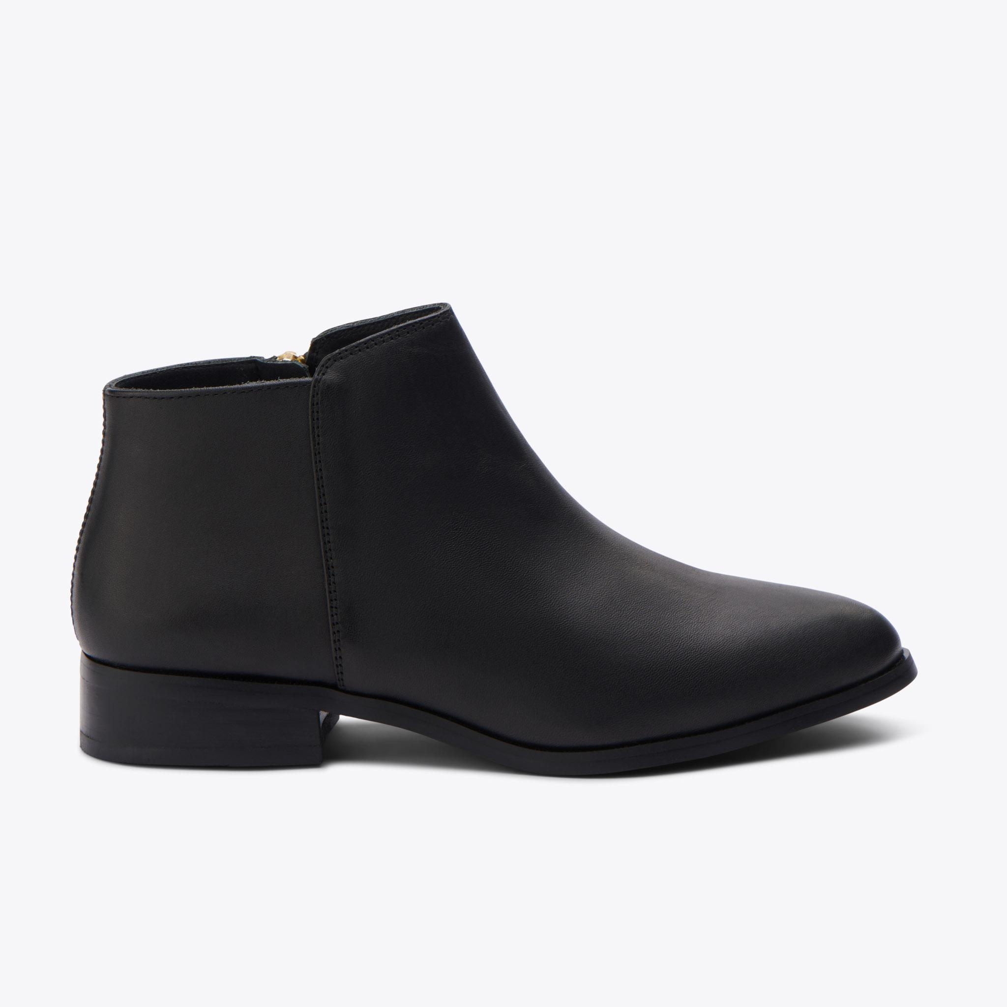 Nisolo - Lana Ankle Boot Black/Black