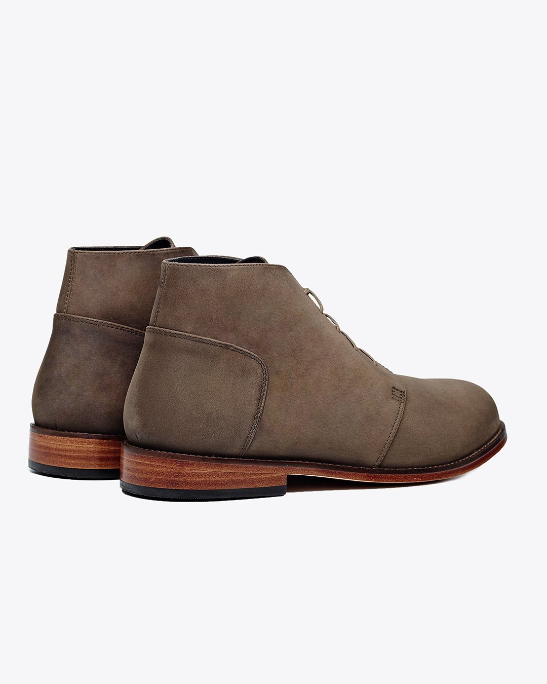 Emilio Chukka Boot Steel Men's Leather Chukka Boot Nisolo