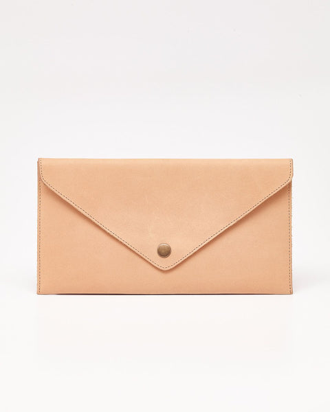Sobre Leather Clutch Camel