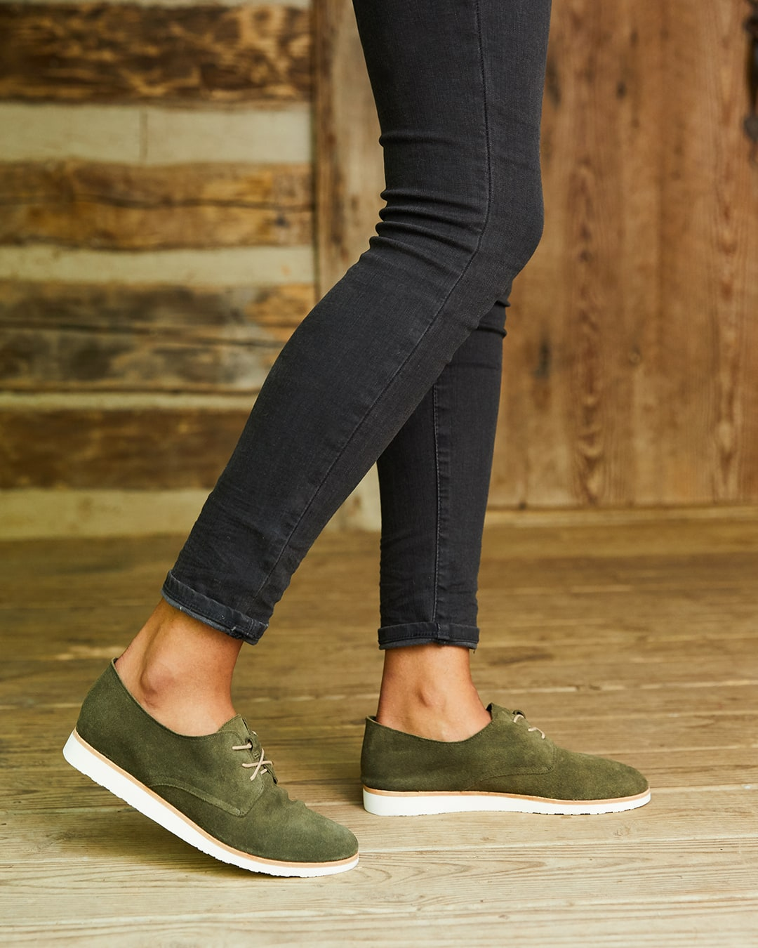 Nisolo Women's Sedona Travel Derby in Forest Green