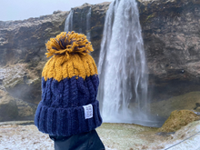 Load image into Gallery viewer, Alpine Bobble Beanie Hat