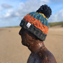 Load image into Gallery viewer, Arctic Bobble Beanie Hat