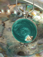 Load image into Gallery viewer, Pendant - Aquamarine with Seashell