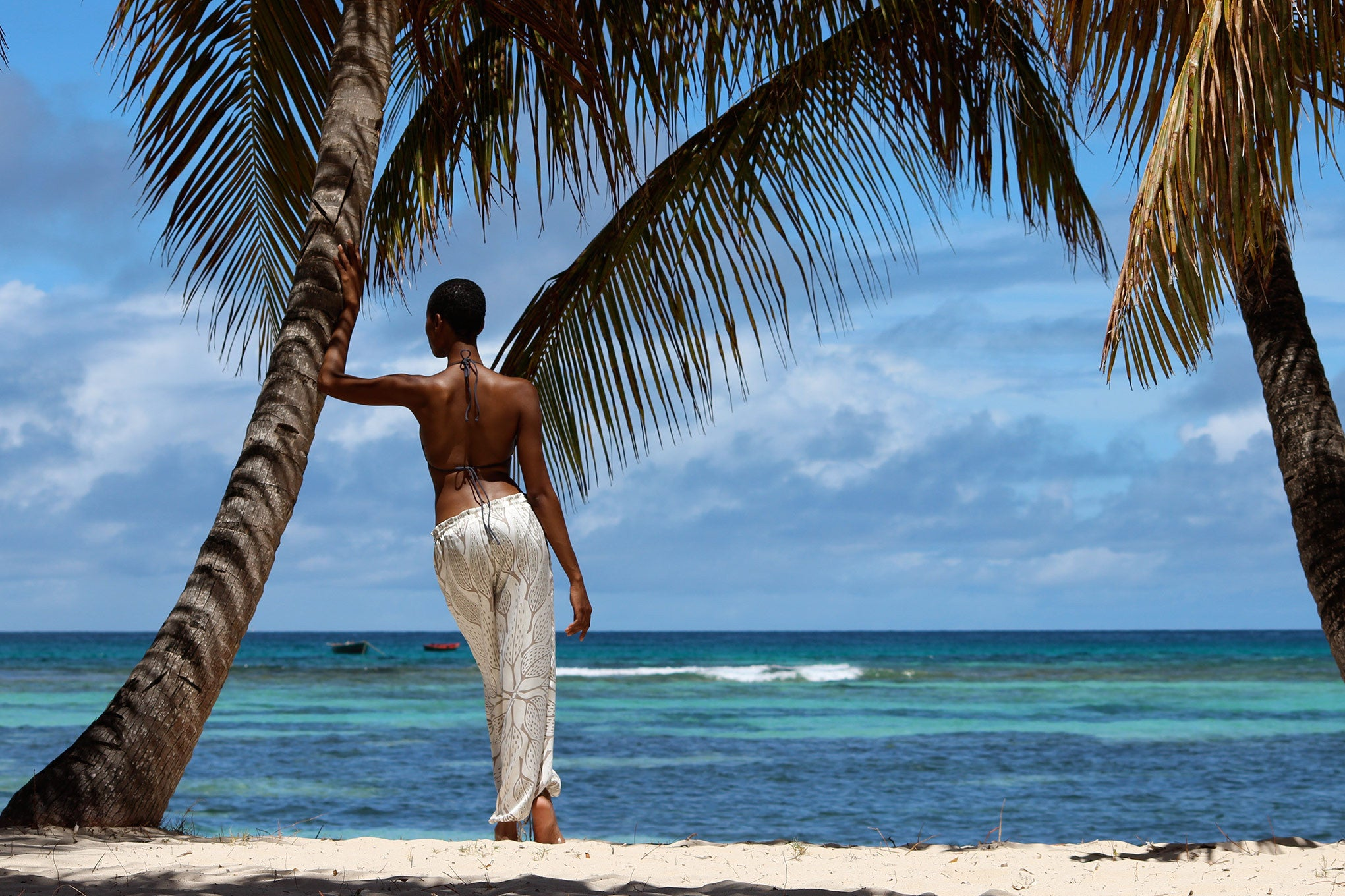 Jennlee under the palms, Lagoon Bay Mustique