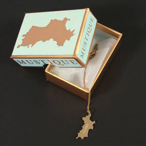 18K Gold Mustique Island Pendant - Lotty B Mustique Box