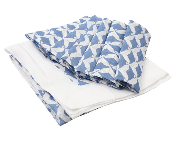 Lotty B Tablecloth & Napkin set: MANTA RAY - NAVY