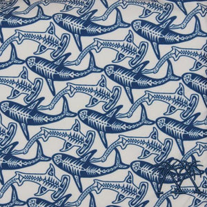 Boys swim trunks : SHARK - NAVY swatch