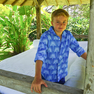 Childrens Linen Shirt: FAN PALM PALE BLUE / MID BLUE, Mustique's tropical garden