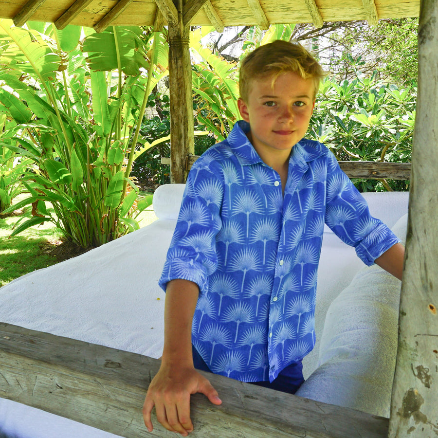 Childrens Linen Shirt: FAN PALM PALE BLUE / MID BLUE