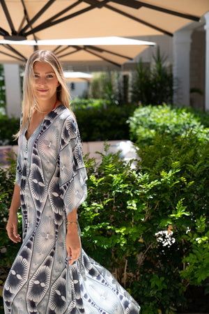 Lotty B Long Kaftan in Silk Crepe-de-Chine: FAN PALM - BLACK & WHITE Mustique easy wearing