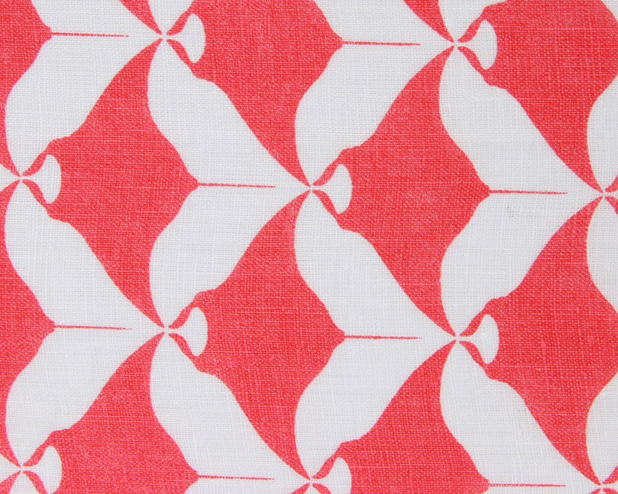 Lotty B Tablecloth & Napkin set: MANTA RAY - RED