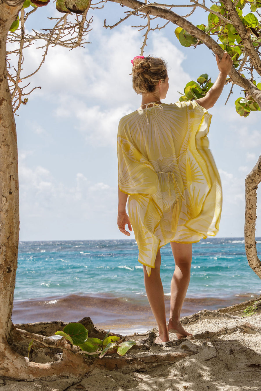 Lotty B Short Kaftan in Silk Crepe-de-Chine: FAN PALM - YELLOW / WHITE Mustique beach style