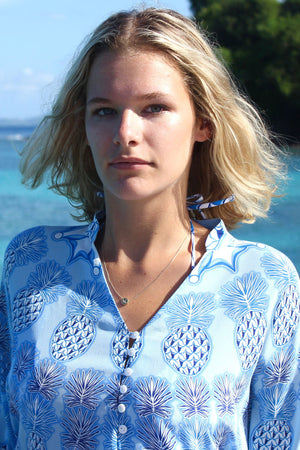Lotty B Short Kaftan in Silk Crepe-de-Chine: PINEAPPLE - BLUE close Mustique