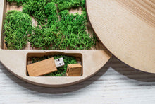 Load image into Gallery viewer, Wooden usb box round wedding Box ( with usb )