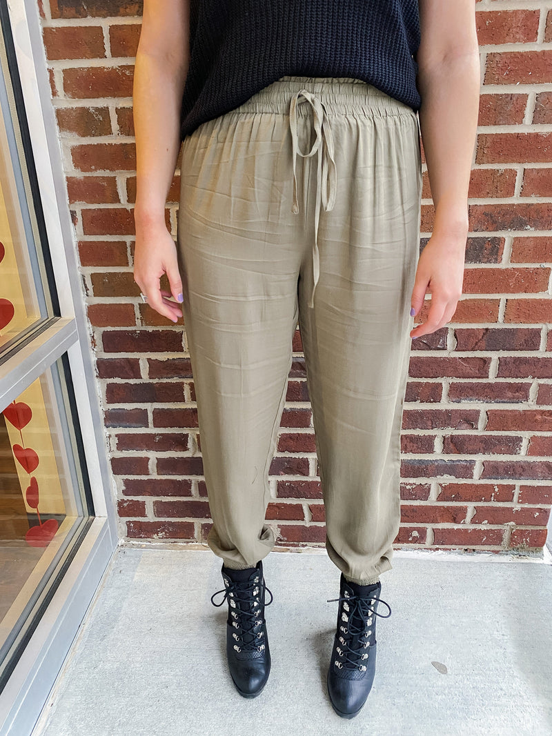 James Joggers, Olive
