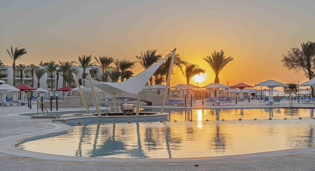 Soma Bay and Gouna 7 Days Honeymoon Trip
