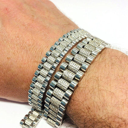 Huge collection of solid gold bracelets, stunning designs at amazing prices