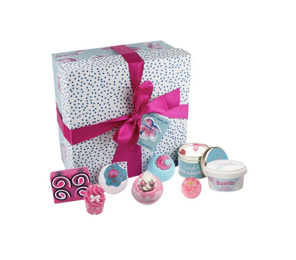 Bomb Cosmetics Pamper Hamper - lovearomameadowhall