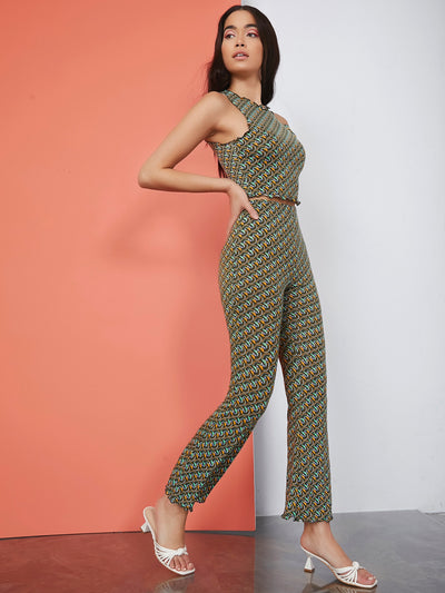 slim retro print round neck camisole crop top and long straight leg pants set, female model view 1
