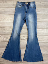 Load image into Gallery viewer, Modern Flare | Light Denim Jeans