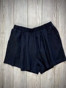 Desert Shorts in Black | Shorts