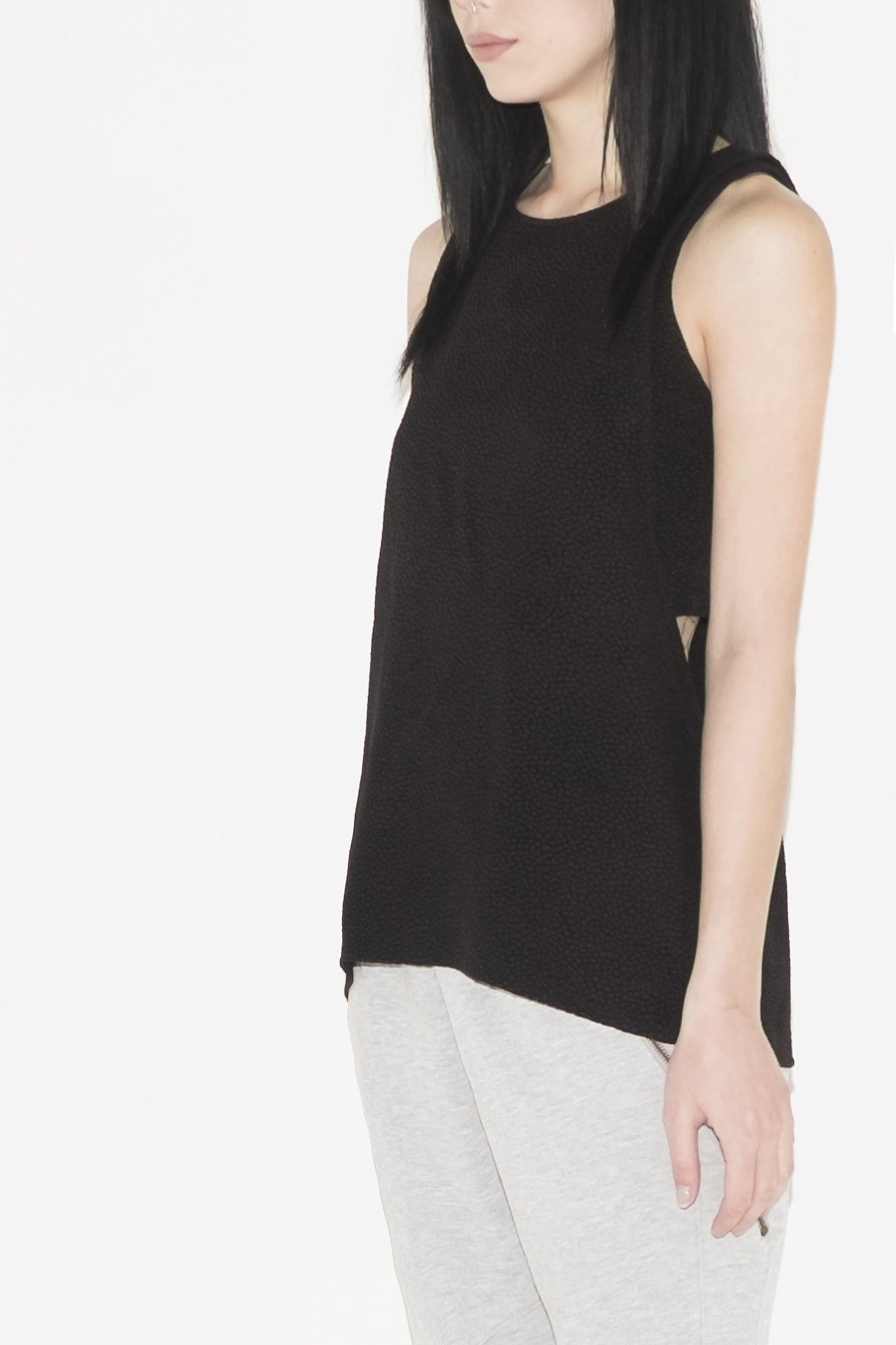 W Black Stone Double Layer Top