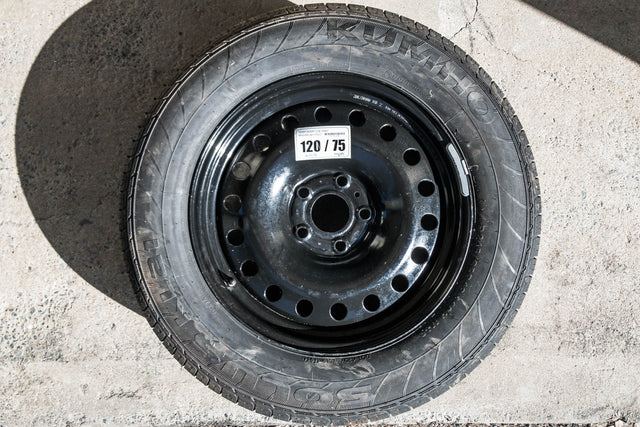 [USED] Jeep WK2 Spare (Steel Wheel + Kumho 245/65R18)