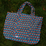 SZ Massive Canvas Tote in Waterlily Print in Neon Papaya