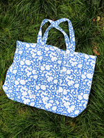 SZ Massive Canvas Tote in Padra Print in Summer Blues