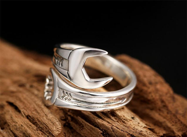 925 Sterling Silver Wrench Ring Unisex and Adjustable Size - InnovatoDesign