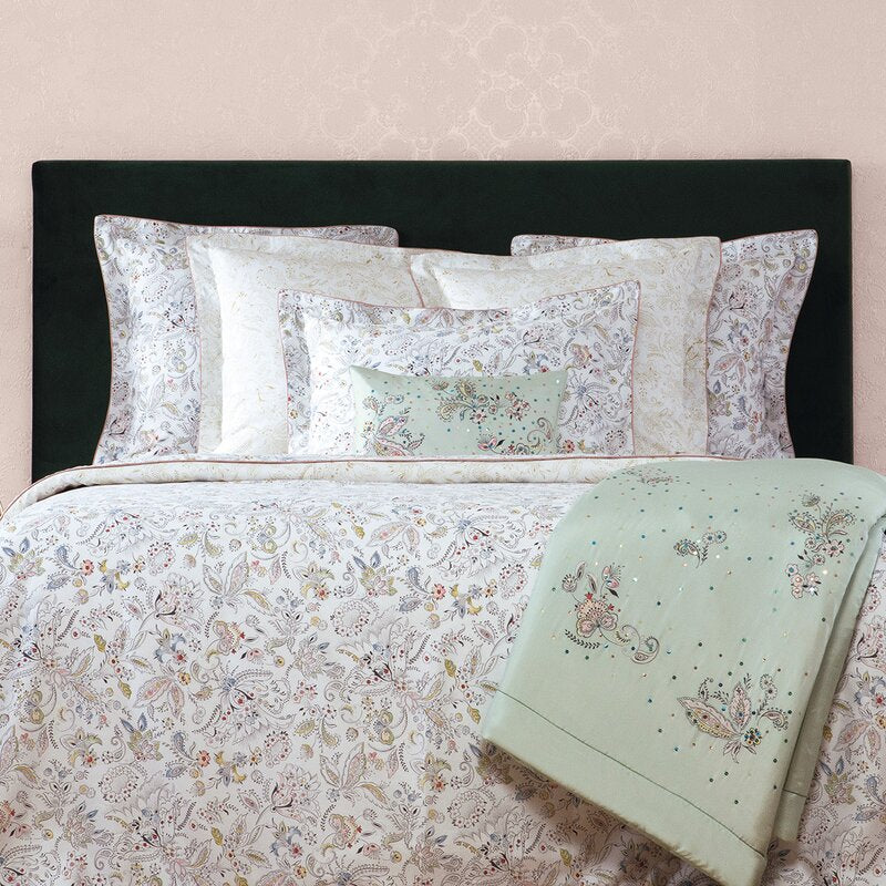 Yves Delorme Elegante Bedding Collection