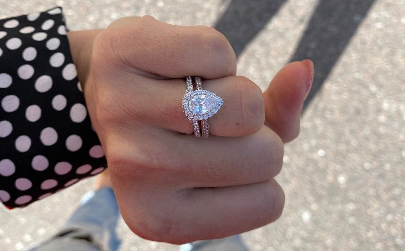 stain pear engagement ring
