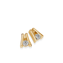 Load image into Gallery viewer, Venture Yellow Gold Diamond Solitaire Earring