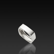 Load image into Gallery viewer, Men's 18 karat white gold Square Band