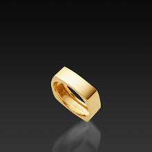 Load image into Gallery viewer, Men's 18 karat yellow gold Square Band