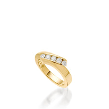 Load image into Gallery viewer, Women's 14 karat yellow gold Boundless Diamond Ring