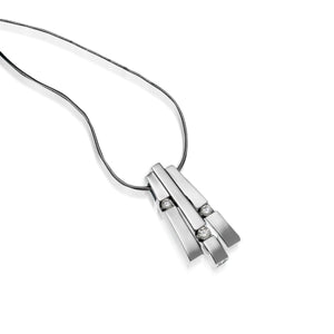 Women's 14 karat White Gold Originate Diamond Pendant Necklace