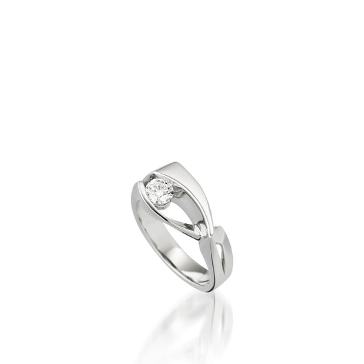 14 karat White Gold Oyster Diamond Ring with Single Channel-set Diamond