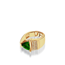 Load image into Gallery viewer, Women's 14 karat yellow gold Parallel Chrome Diopside Ring with Pave Diamonds