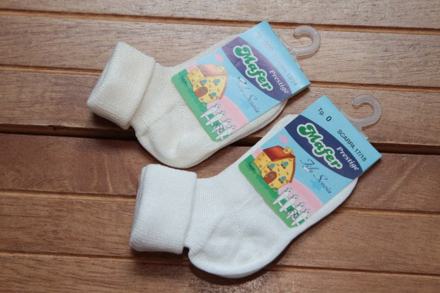 Load image into Gallery viewer, Plain Cotton Socks Ivory