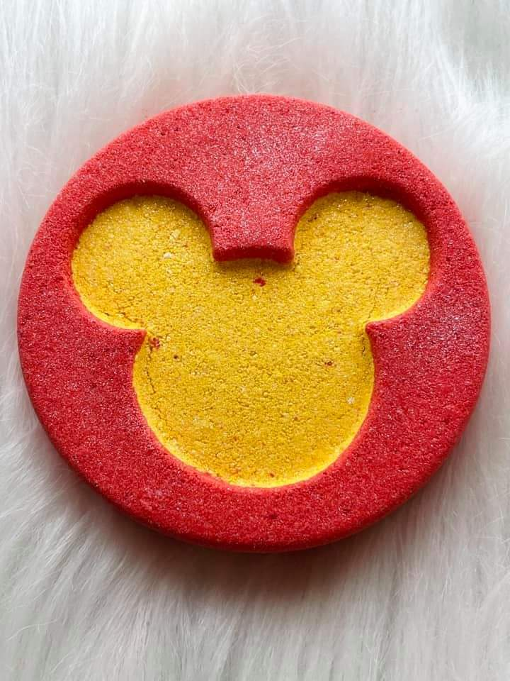 Mouse Puck Bath Bomb