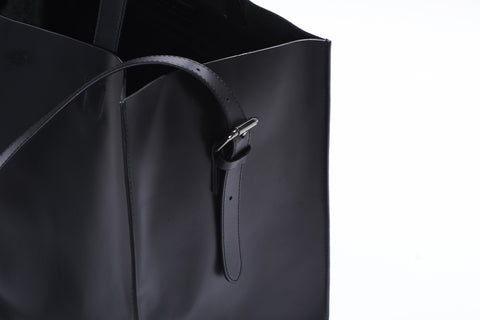 Downtown Bucket Bag - Black