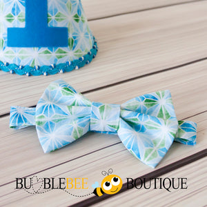 Bow tie close up from The Party Stopper boys' cake smash outfit by Bumblebee Boutique